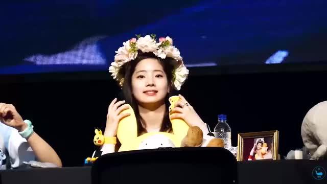 Watch and share Dahyun GIFs and Twice GIFs by adoradubu on Gfycat