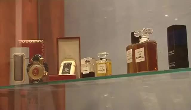 Watch and share Parfum : Des Nez Qui Valent De L'or - Combien Ça Coute ? GIFs on Gfycat