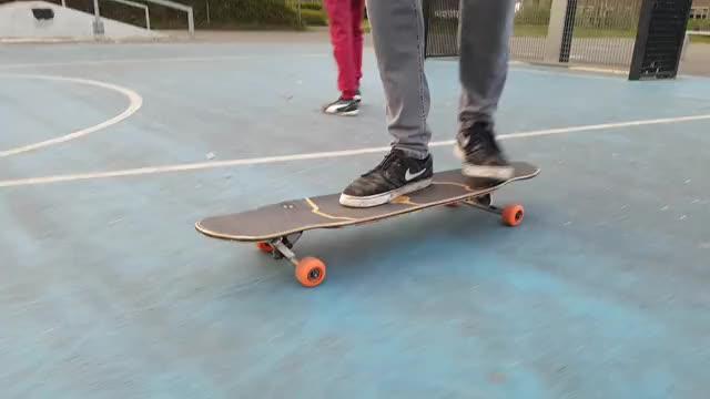 Watch /u/IAmNotGodDuh sucks. I also skate for Bustin. I don't suck. (reddit) GIF on Gfycat. Discover more longboarding GIFs on Gfycat