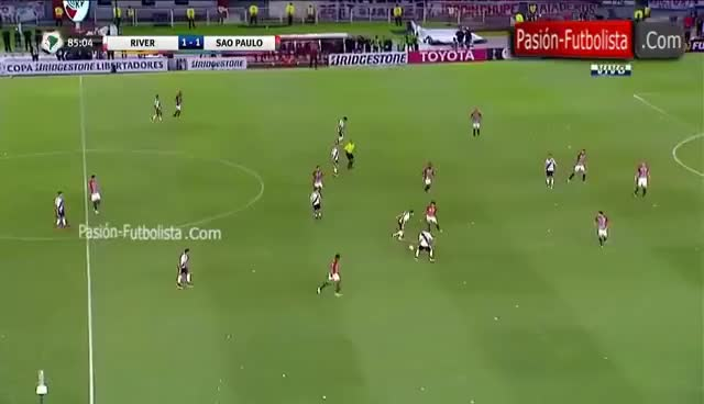 Watch and share River Plate Vs São Paulo 1-1 El Caño De Ganso Que Humilla A Nicolás Domingo Copa Libertadores 2016 GIFs on Gfycat