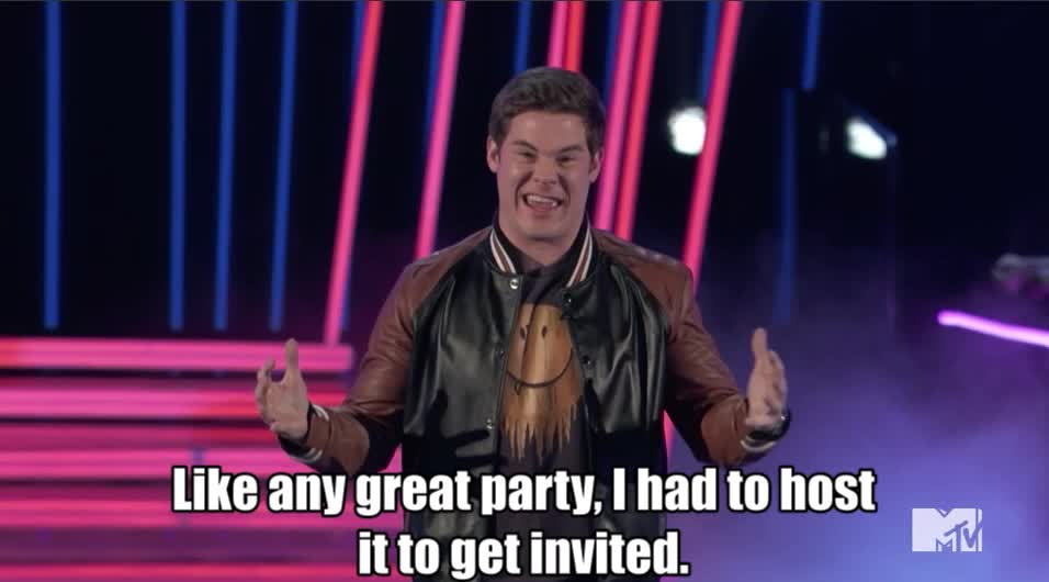 Adam Devine, MTV Awards, MTV Awards 2017, MTVAwards, MTVAwards2017, uninvited, Adam Devine the Host lacking the most MTV Awards 2017 GIFs