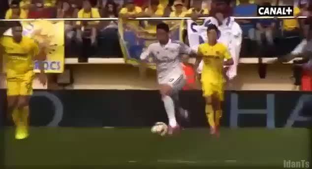 realmadrid, James to Benzema to Cristiano vs Villarreal (Different angle. OC) (reddit) GIFs