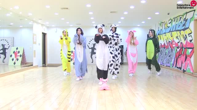 Watch and share Dalshabet GIFs and Kpics GIFs by enter_text_here on Gfycat