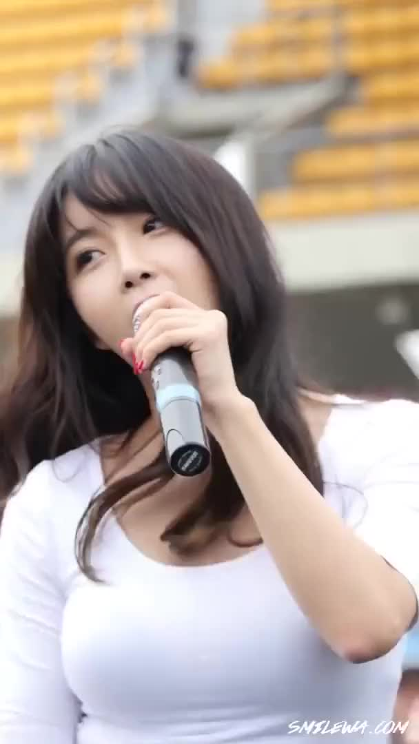 Watch and share Hyunyoung GIFs and Rainbow GIFs by enter_text_here on Gfycat