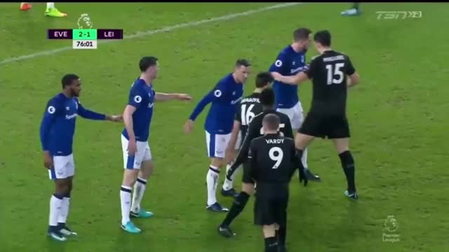 Watch Leicester Corner: One Inside the Six Yard Box vs Everton (Big Chances) GIF by Mohamed Mohamed (@mohamedmohamed) on Gfycat. Discover more related GIFs on Gfycat