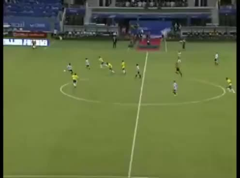 Watch Messi vs Brasil GIF on Gfycat. Discover more Argentina, Brasil, Futebol, Messi, Neymar GIFs on Gfycat