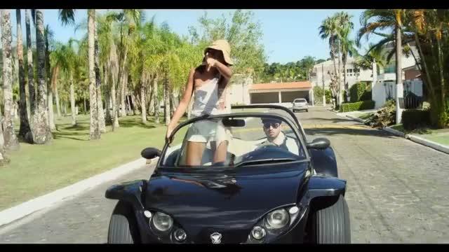 Watch MC Loma e as Gêmeas Lacração - Envolvimento (KondZilla) GIF on Gfycat. Discover more 2017, All Tags, Hit, Zila, Zilla, amento, cebruthius, escama, funk, kond, kondzilla, lan, oficial, ostenta, videoclipe GIFs on Gfycat