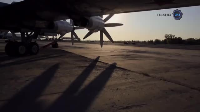 Watch Tu-95 Pt.2 GIF by @tehroot on Gfycat. Discover more aviation, militarygfys, noisygifs GIFs on Gfycat