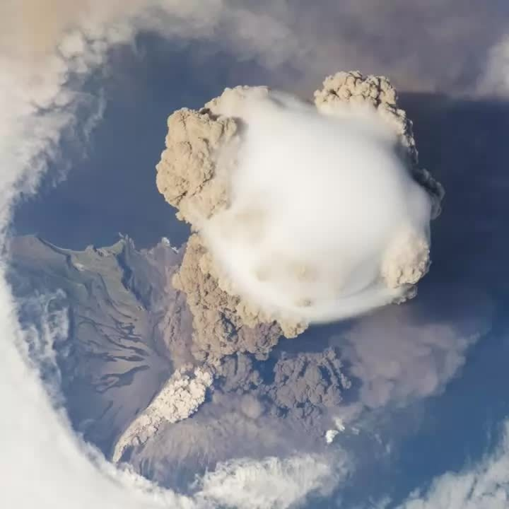 volcano, whoahdude, woahdude, Sarychev Peak volcanic eruption in 2009 as seen from the International Space Station GIFs