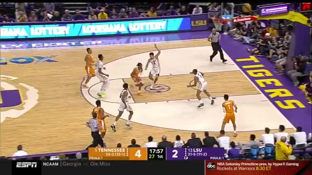 Watch and share March Madness 2019 GIFs and College Basketball GIFs by EvzSports on Gfycat