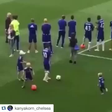 Watch and share Eden Hazard Son GIFs and Young Son Leo GIFs by sporticos.com on Gfycat
