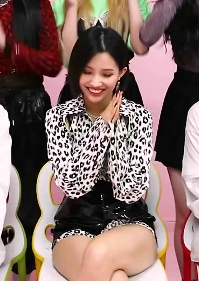 Watch and share Soyeon GIFs and Gidle GIFs by KPOP GIFS on Gfycat