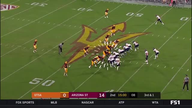 Watch Renell Wren (Arizona DT) vs. UTSA (2018) GIF by @apache1021 on Gfycat. Discover more Caddy to the Lama, Film & Animation, Wondershare Filmora, football GIFs on Gfycat