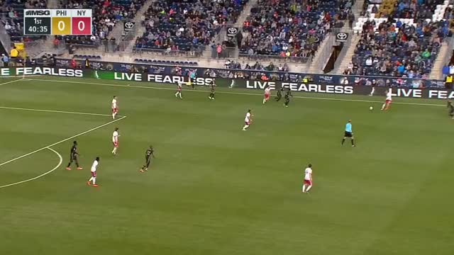 Watch and share Onyewu Good Defensive Rotation GIFs by Evercombo on Gfycat