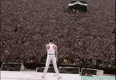 OldSchoolCool, videos, Freddie Mercury performing at Live Aid, 1985 (reddit) GIFs