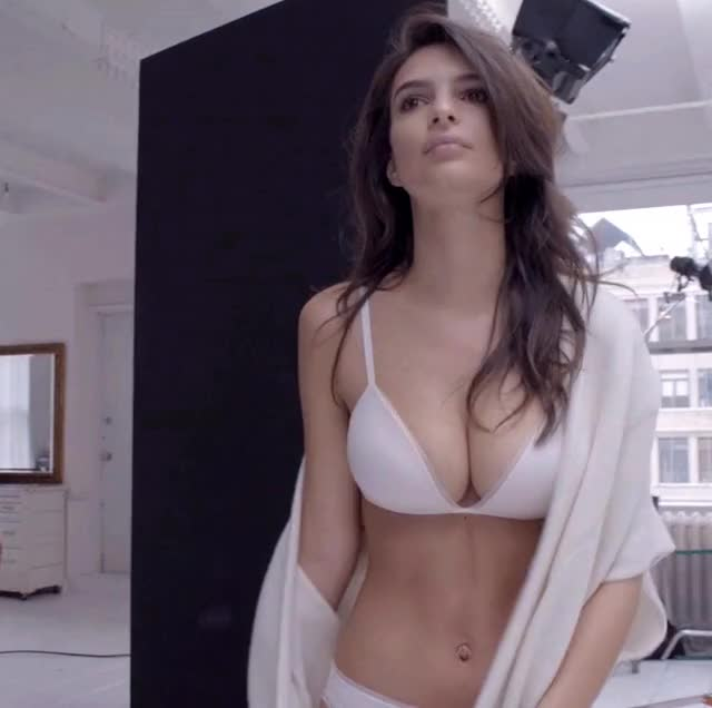 Watch this emily ratajkowski GIF by shapesus (@politoadmoves) on Gfycat. Discover more celebs, emily ratajkowski, model, modeling GIFs on Gfycat