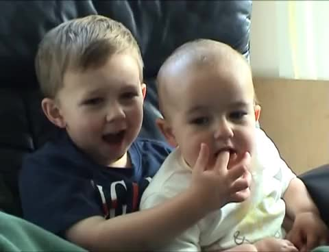 baby, charlie, charlie bit my finger, cute, Ohh Ouch Ouch Charlie GIFs