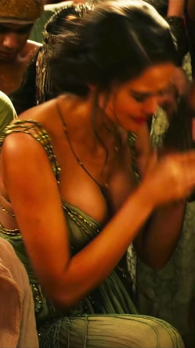 Watch and share Courtney Eaton GIFs and Cleavage GIFs by EchelonDX on Gfycat