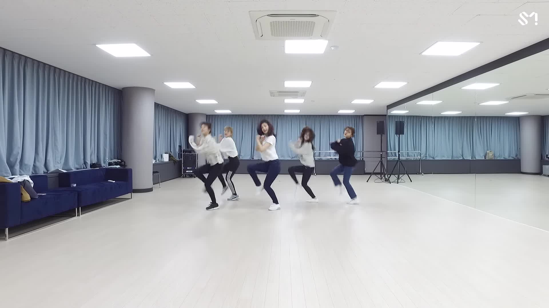Không thể lên sóng vì Winter Olympics 2018, Red Velvet có ngay quà bù đắp cho fan