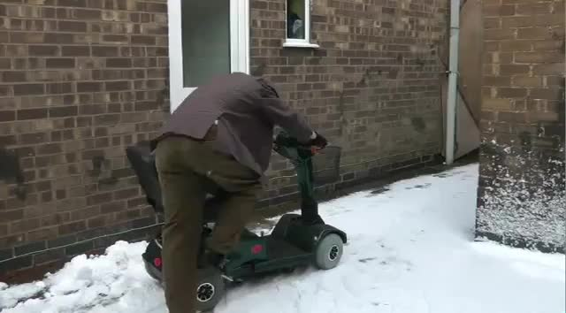 70MPH Mobility Scooter in the SNOW (reddit) GIF | Find, Make