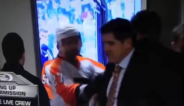 flyers, laviolette, lavs, yell GIFs