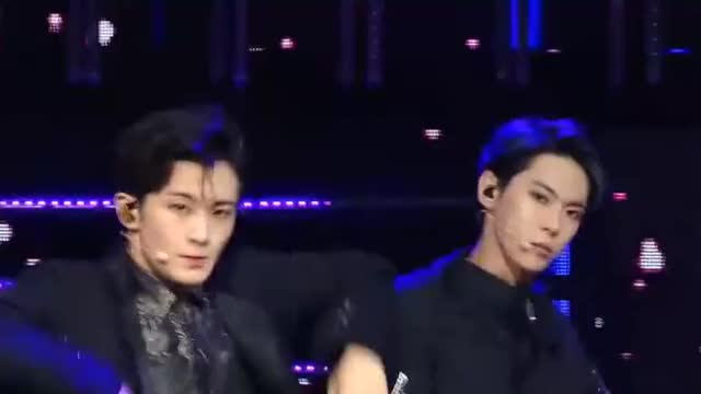 Watch 63a118e92277db681786892252739fa2 GIF by @tackygif on Gfycat. Discover more doyoung, mark, nct 127, regular GIFs on Gfycat
