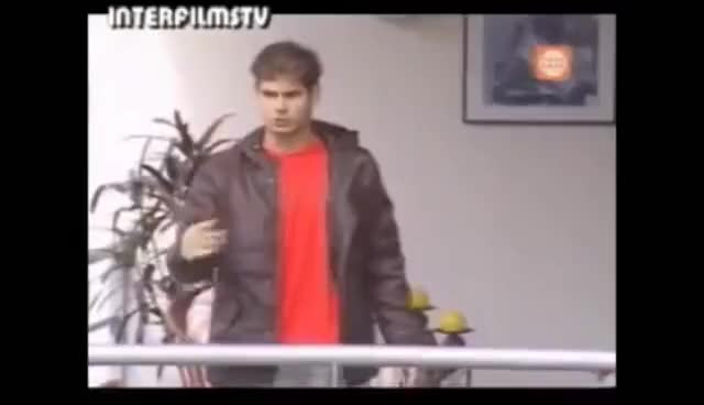 Watch NICOLAS BAILANDO GIF on Gfycat. Discover more nicolas al fondo hay sitio GIFs on Gfycat