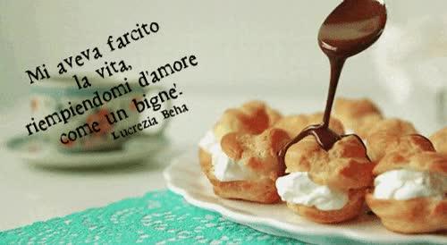 Watch and share Vita Amore Innamorarsi Farcire Riempire D'amore Amare Cibo Bignè Gif Animazione La Luna Nel Cuore La Notte Nel Sangue Lucrezia Beha Tumblr GIFs on Gfycat