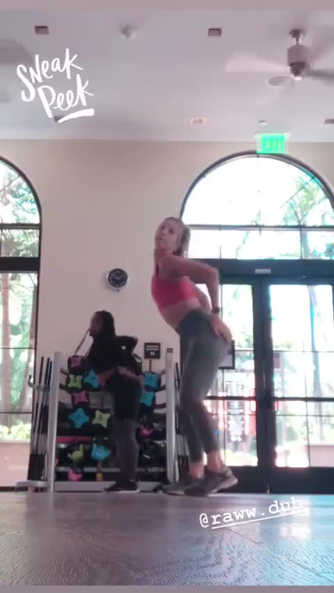 Watch and share Hannah Cranston GIFs by mopkanee on Gfycat