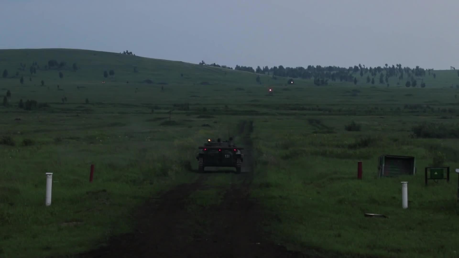 BMP, BMP-2 night fire GIFs