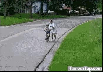 Watch and share 28 - Enfant Avec Un Vélo Sans Frein = Fail. « Maman... Où Sont Les Freins Sur Un Vélo ? » GIFs on Gfycat