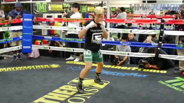 Watch Tenshin Nasukawa's open workout from Mayweather Boxing Club GIF on Gfycat. Discover more 2018, Fighting, Sports, boxing, combat, fight, highlight, interviews, kickboxer, mma, mmajunkie, news, rizin, ufc GIFs on Gfycat
