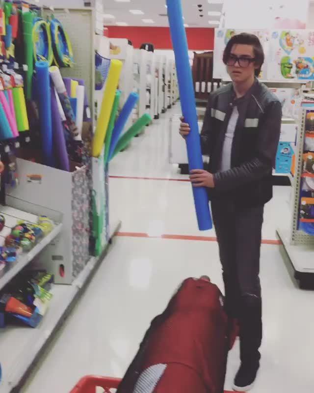 PeytonList, peytonlist, Video by None GIFs