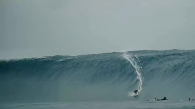 Watch and share Ramon Navarro Cloudbreak 2018 - Instagram.com/_taylorcurran GIFs by Roger Anthony Essig on Gfycat