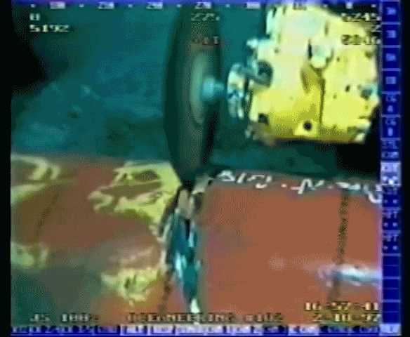 reversegif, Crab trapped in undersea pipeline rescued by ROV. (reddit) GIFs