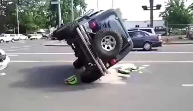 Watch and share Accidentes Graciosos De Autos, Fuego, Caidas,  Video Gracioso De Caidas 2013 GIFs on Gfycat