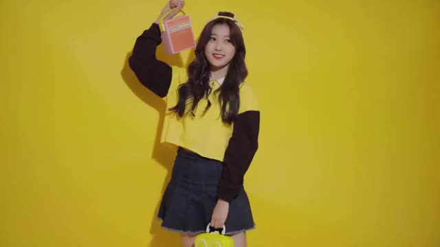 Watch and share Choerry GIFs and Loona GIFs by The Bakery on Gfycat
