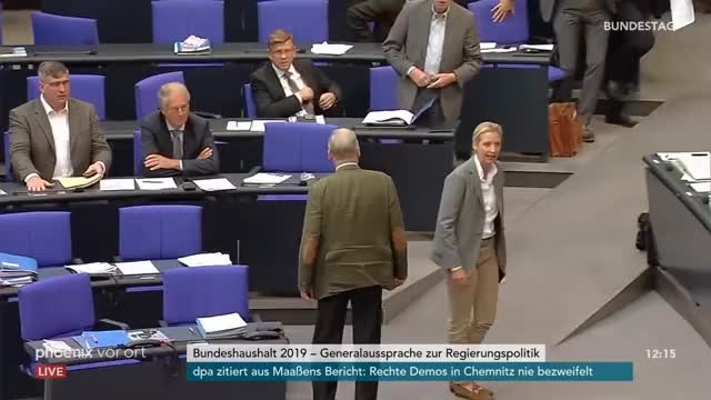 Watch AfD-Fraktion verlässt Bundestag bei Rede von Johannes Kahrs, SPD, am 12.09.18 GIF on Gfycat. Discover more Spd, afd, bundestag, fernsehen, fraktion, information, kahrs, nachrichten, phoenix, politik, tv GIFs on Gfycat