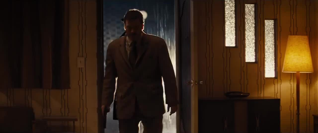 bad times at the el royale, Invasive entry GIFs