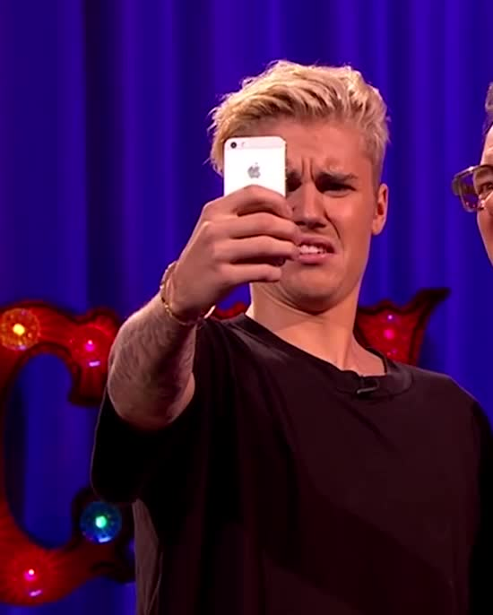 GIF Brewery, justin-bieber---full-interview-on-alan-carr-chatty-man, Justin Bieber doesn't like what he sees GIFs