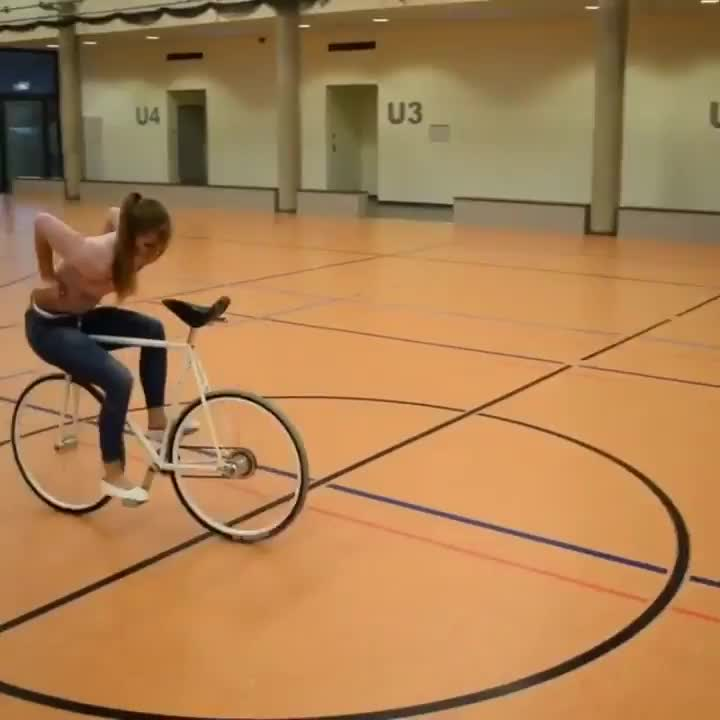 Girl has some serious skill on a bike GIFs