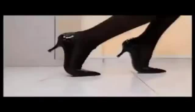 Watch and share Reklama Big Shake GIFs on Gfycat