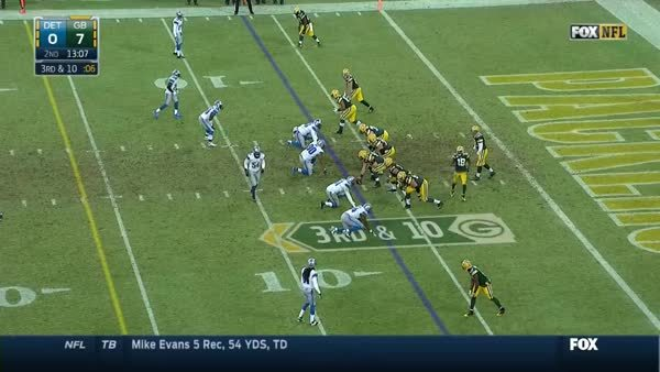 greenbaypackers, nelson gets pack out of the hole GIFs