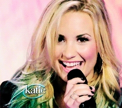 !, demi lovato, gif, look at this angel, history. GIFs