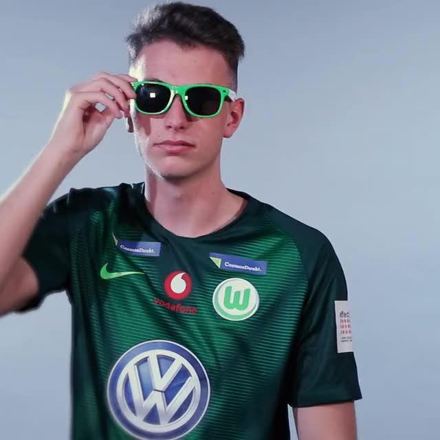 Watch and share TX Sunglas2 GIFs by VfL Wolfsburg on Gfycat