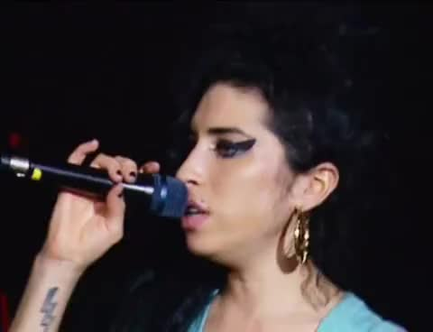 amy winehouse, amy winehouse GIFs