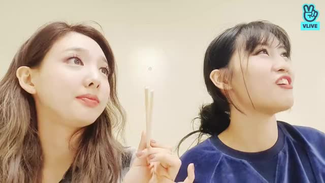 Watch and share 레나♡-3 GIFs by NoJam on Gfycat
