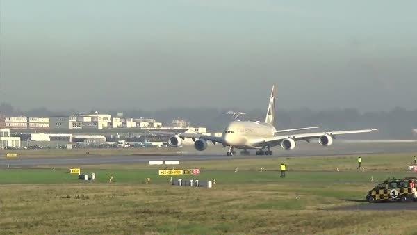 aviationgifs, ETIHAD AIRWAYS Airbus A380 | First Takeoff in full livery (reddit) GIFs