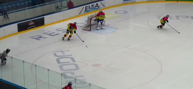 Watch 6 GIF on Gfycat. Discover more hockey GIFs on Gfycat