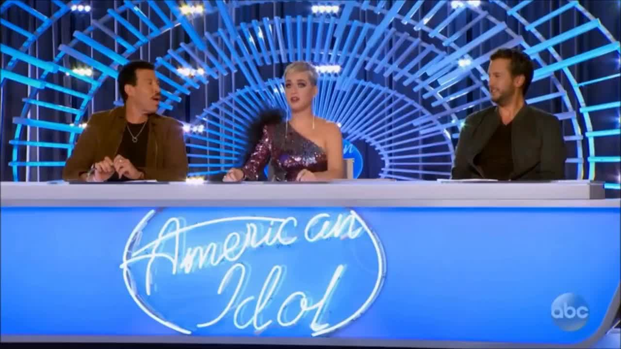 american idol, katy perry, zhavia, Katy Perry Is Looking For Love On American Idol | American Idol 2018 GIFs